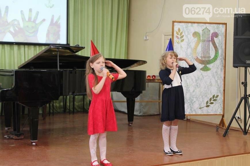 Одаренные дети Бахмута получили стипендии за свое творчество (ФОТО), фото-8