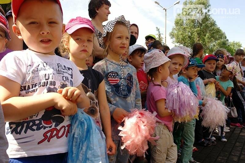 Полицейские Бахмута устроили для детей праздник дорожной безопасности (ВИДЕО), фото-24
