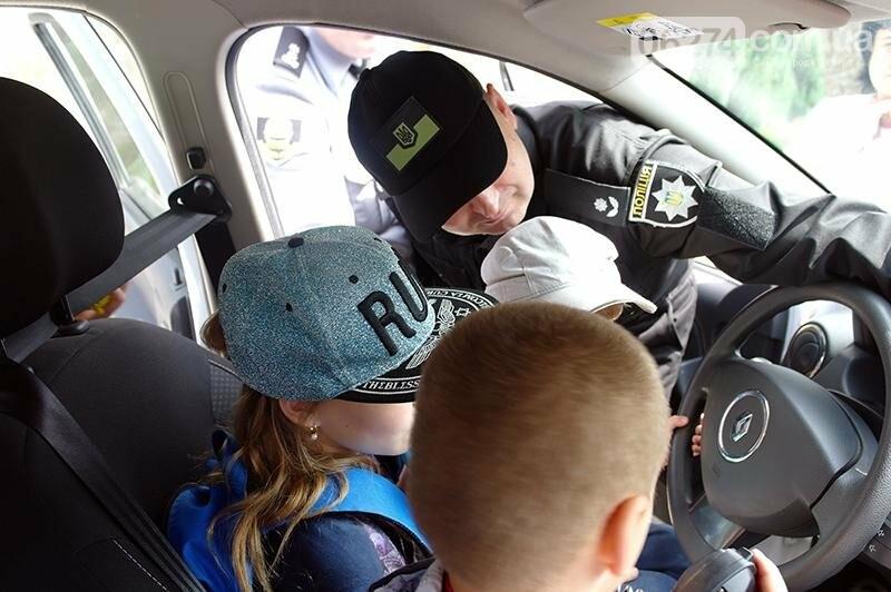 Полицейские Бахмута устроили для детей праздник дорожной безопасности (ВИДЕО), фото-12