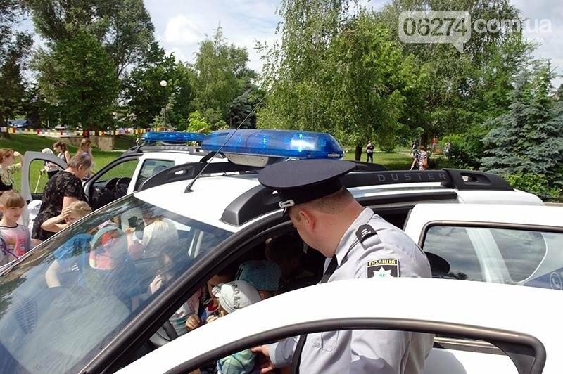 Полицейские Бахмута устроили для детей праздник дорожной безопасности (ВИДЕО), фото-15