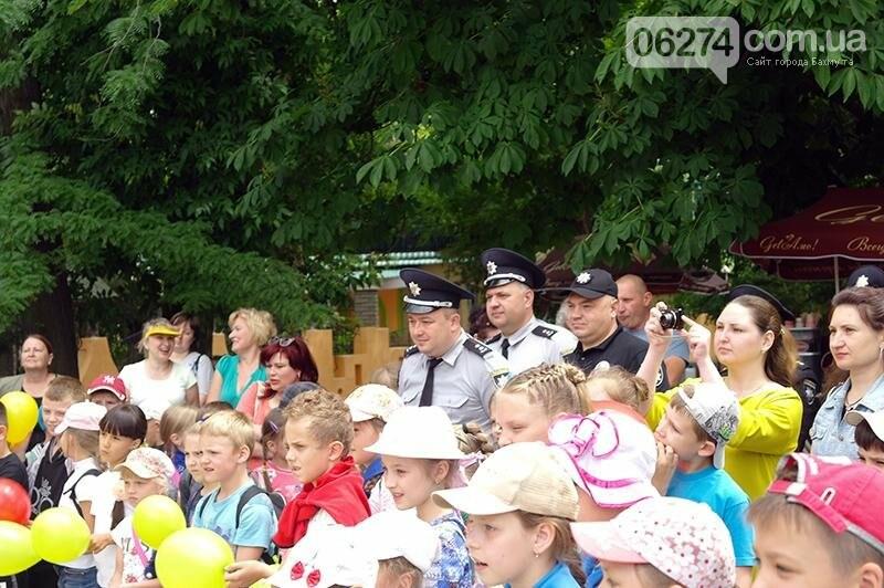 Полицейские Бахмута устроили для детей праздник дорожной безопасности (ВИДЕО), фото-3
