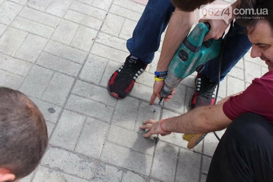 Новые вело-парковки появились в Бахмуте (ФОТО), фото-1