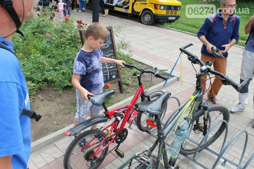 Новые вело-парковки появились в Бахмуте (ФОТО), фото-11