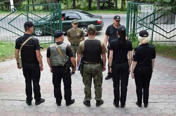 В зону отдыха детей в Святогорске прибыли полицейские из Волновахи и Бахмута, фото-1