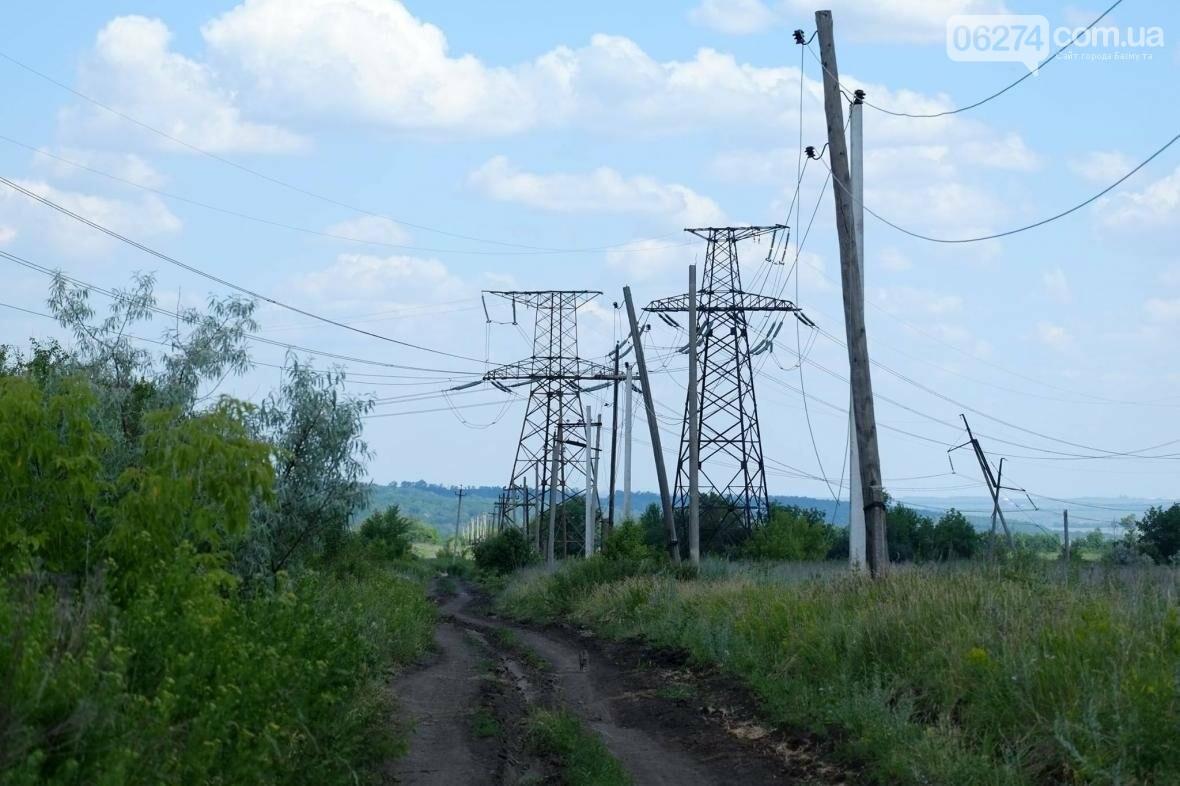 В прифронтовых поселках Бахмутского района решают проблему с электроснабжением (ФОТО), фото-2