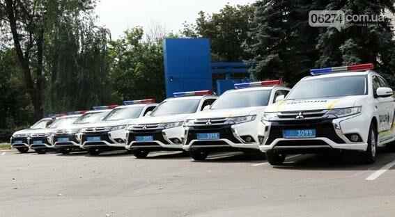 Новые внедорожники глава областной полиции передал в Бахмут и в другие города Донецкой области, фото-2