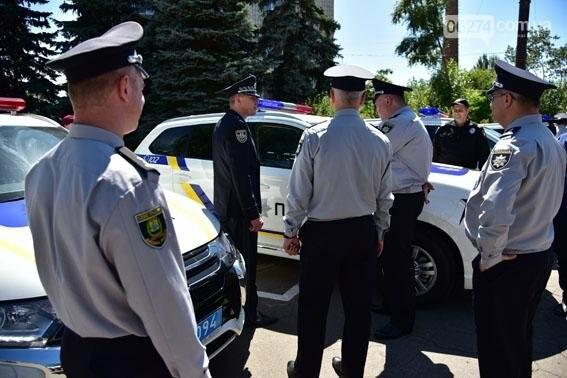 Новые внедорожники глава областной полиции передал в Бахмут и в другие города Донецкой области, фото-5