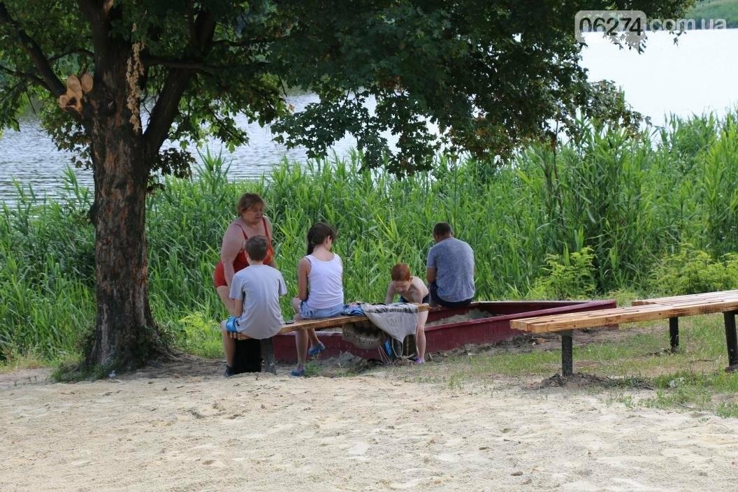 Купальный сезон и пикники: бахмутчане спасаются от июньской жары, фото-2