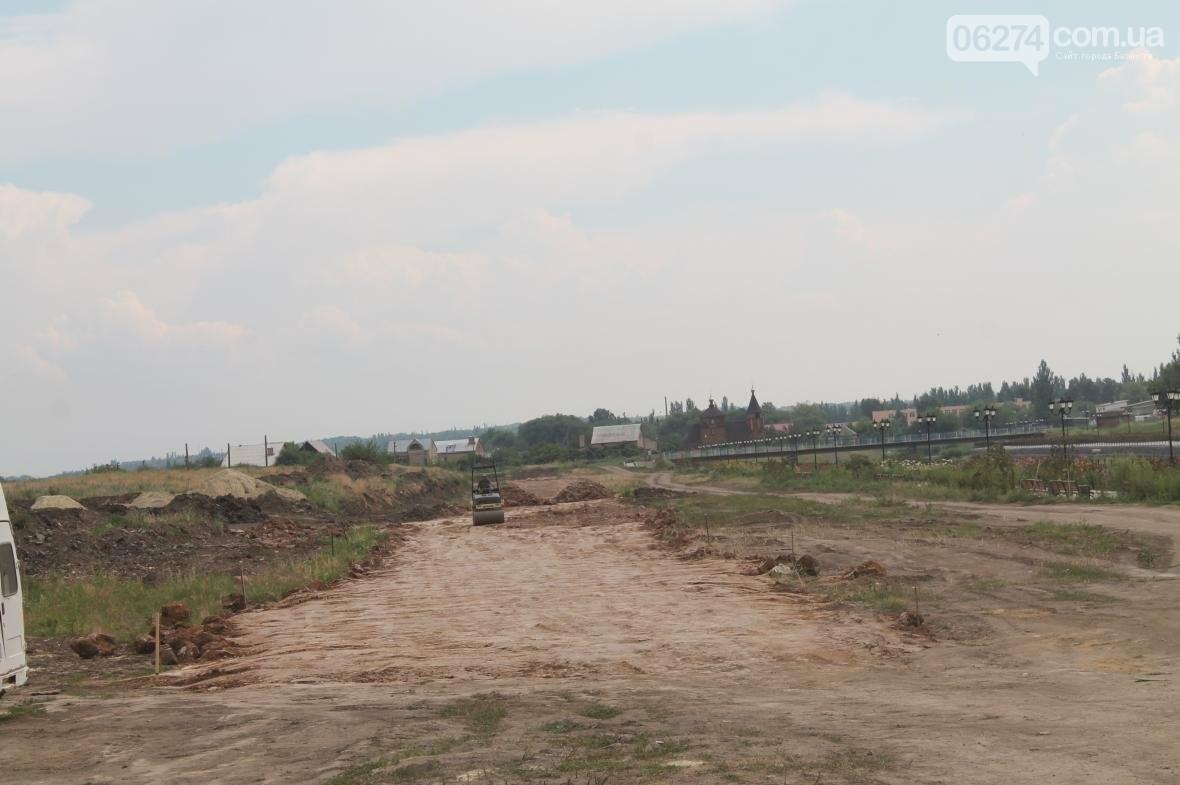 Ремонт дорог, тротуаров и набережной: в Бахмуте кипит работа, фото-5