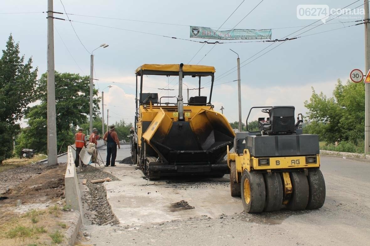 Ремонт дорог, тротуаров и набережной: в Бахмуте кипит работа, фото-3