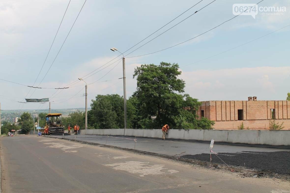 Ремонт дорог, тротуаров и набережной: в Бахмуте кипит работа, фото-1