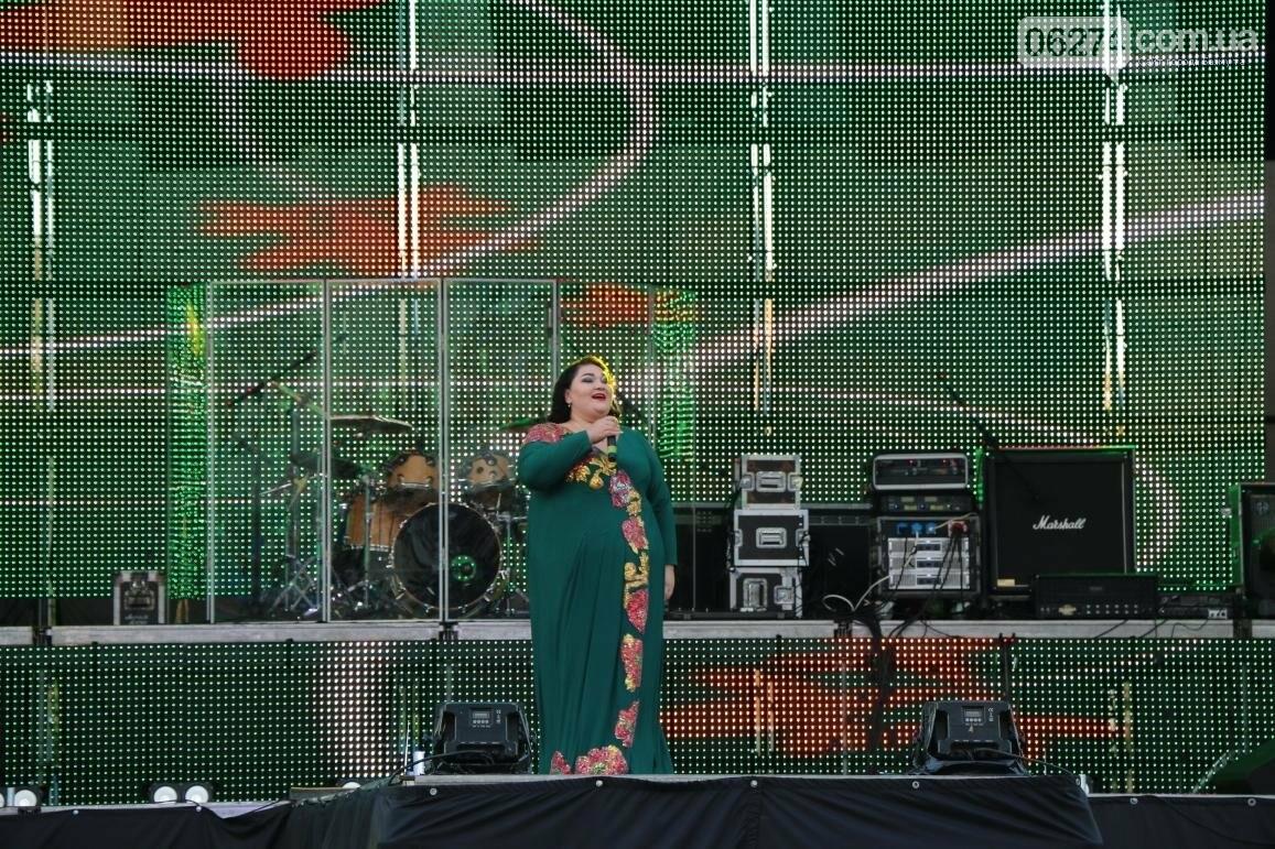Грандиозным концертом завершился День города в Бахмуте (ФОТООТЧЕТ), фото-12