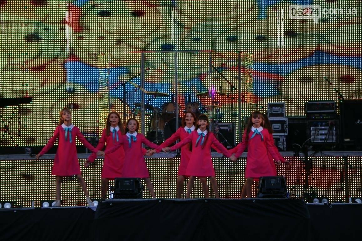 Грандиозным концертом завершился День города в Бахмуте (ФОТООТЧЕТ), фото-9