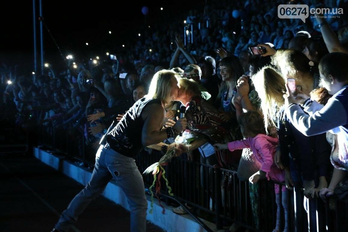 Грандиозным концертом завершился День города в Бахмуте (ФОТООТЧЕТ), фото-19
