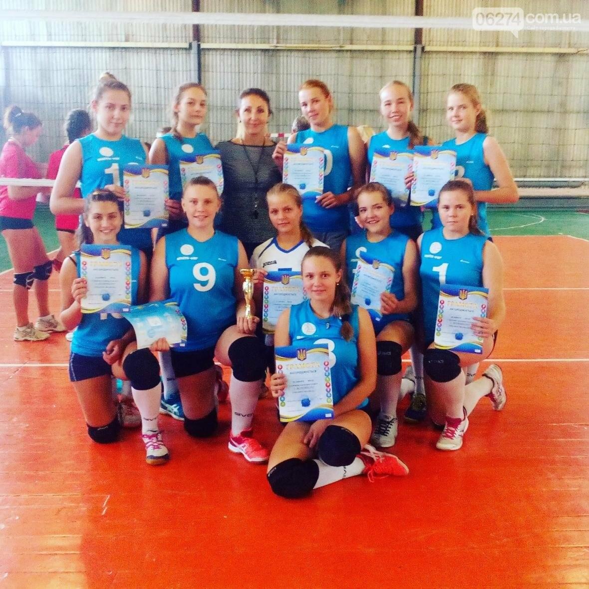 Волейболистки из Бахмута стали третьими на чемпионате области, фото-3