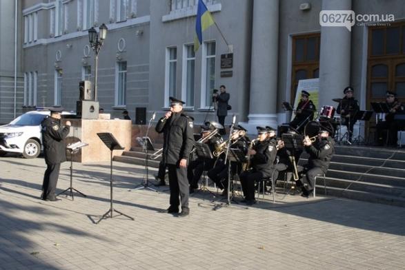 В Бахмуте выступил оркестр полиции Донецкой области в рамках проекта «Восток и Запад – вместе», фото-5