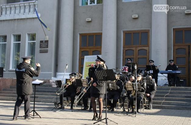 В Бахмуте выступил оркестр полиции Донецкой области в рамках проекта «Восток и Запад – вместе», фото-7