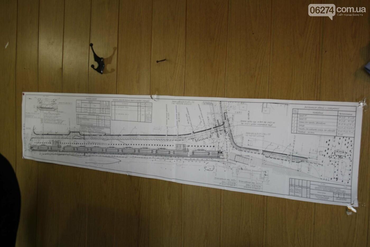 В Бахмуте продолжаются работы по инфраструктурным проектам и благоустройству города, фото-3