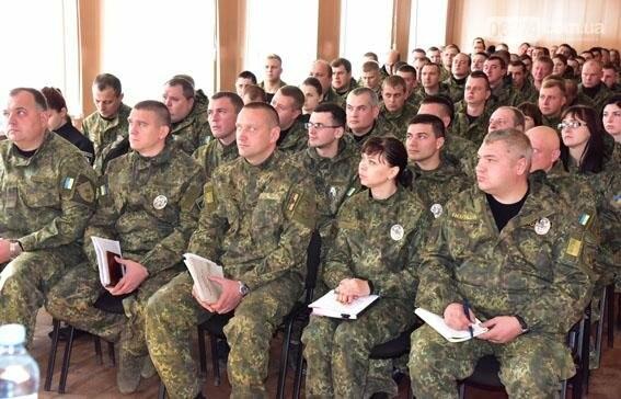 Генерал Семенишин проинспектировал работу Бахмутского отдела полиции, фото-2
