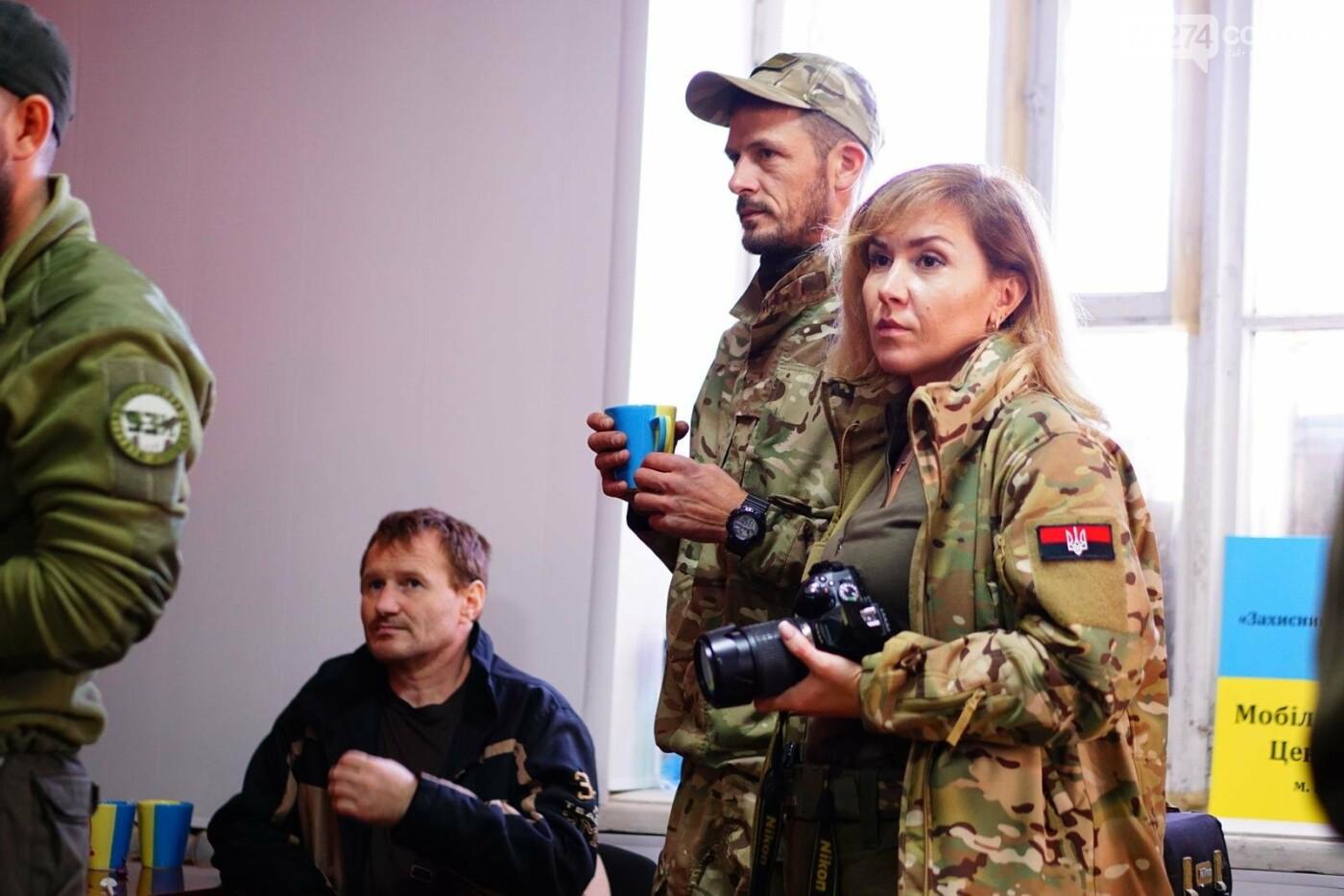 В Бахмуте открыли мобилизационный центр для добровольцев, фото-6