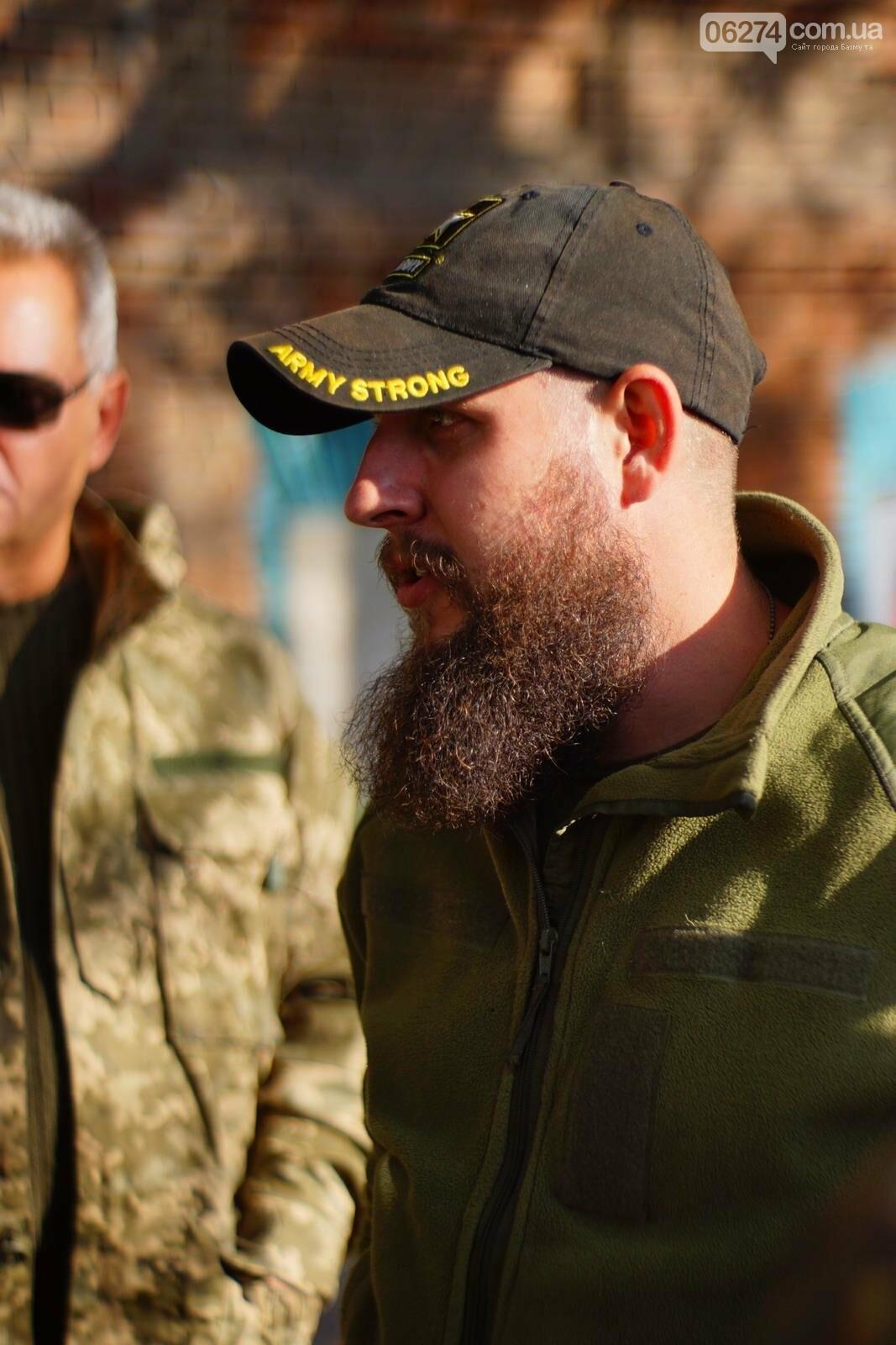 В Бахмуте открыли мобилизационный центр для добровольцев, фото-3