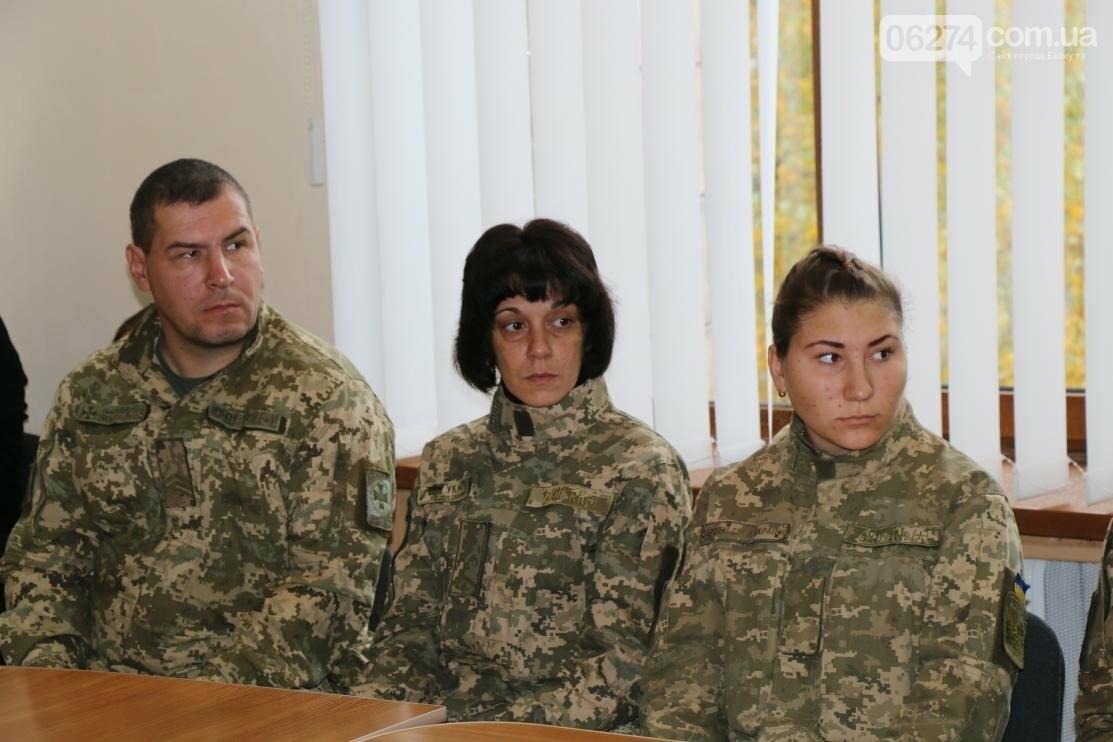 С Днем Защитника Украины военнослужащих поздравил мэр Бахмута, фото-5