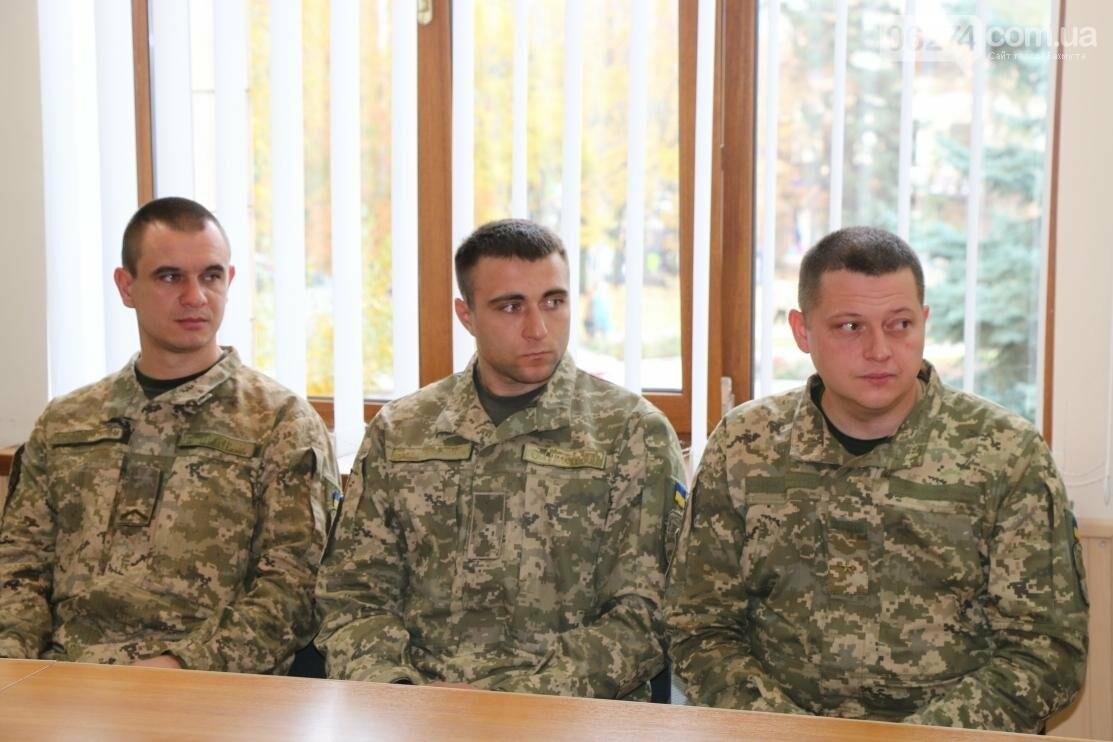 С Днем Защитника Украины военнослужащих поздравил мэр Бахмута, фото-1