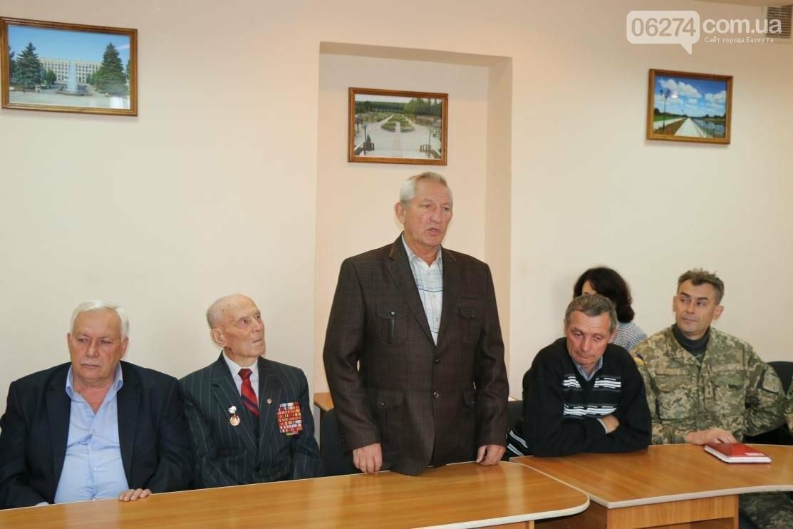 С Днем Защитника Украины военнослужащих поздравил мэр Бахмута, фото-3