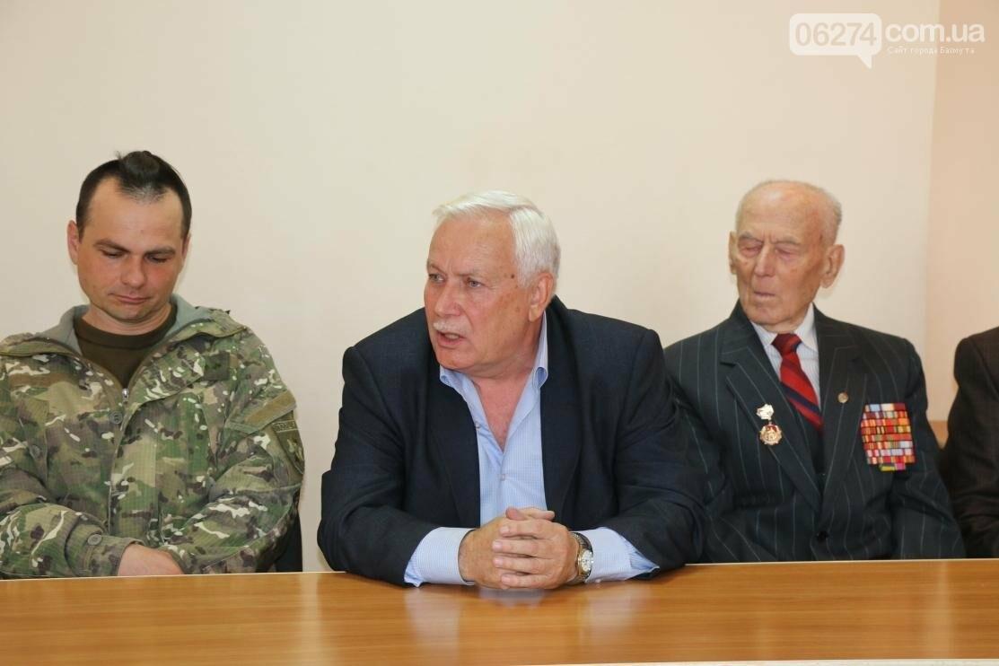 С Днем Защитника Украины военнослужащих поздравил мэр Бахмута, фото-4