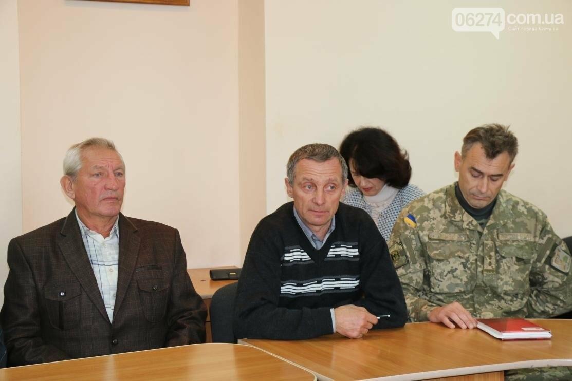 С Днем Защитника Украины военнослужащих поздравил мэр Бахмута, фото-7