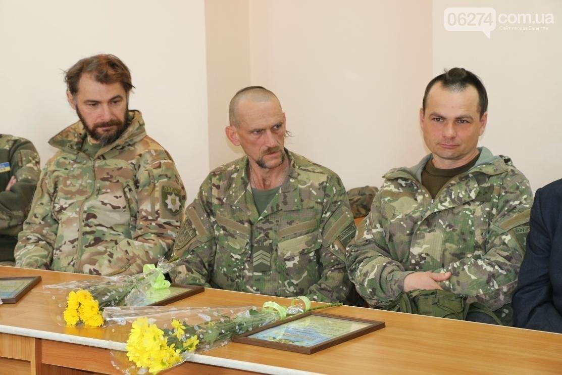 С Днем Защитника Украины военнослужащих поздравил мэр Бахмута, фото-17