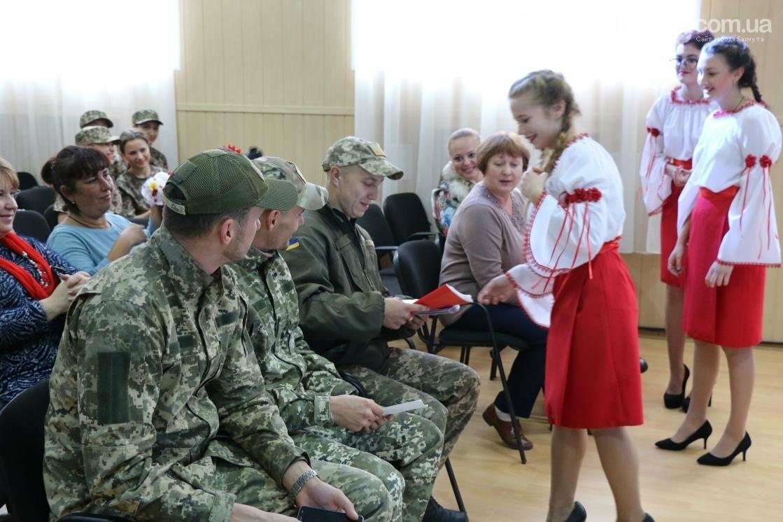 Для защитников Украины школьники города устроили фестиваль украинского творчества, фото-8
