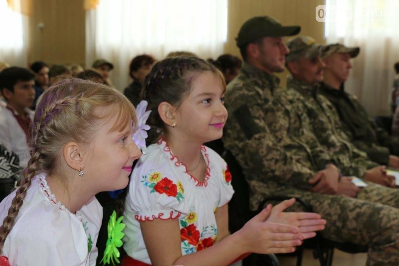 Для защитников Украины школьники города устроили фестиваль украинского творчества, фото-3
