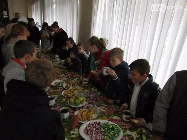 Воспитанники бахмутского интерната побывали в гостях у пограничников, фото-2
