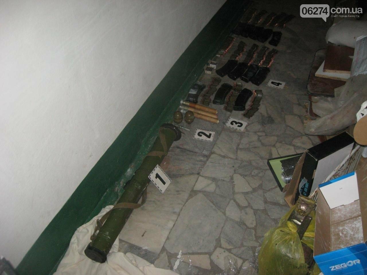 В одной из квартир города бахмутчанин прятал арсенал боеприпасов, фото-3