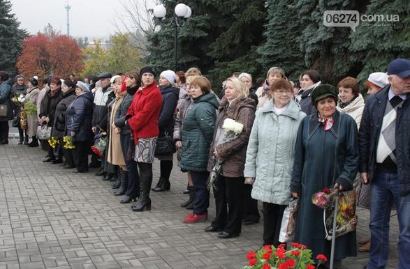 В Бахмуте отметили 73-ю годовщину Дня освобождения Украины от фашистских захватчиков, фото-1
