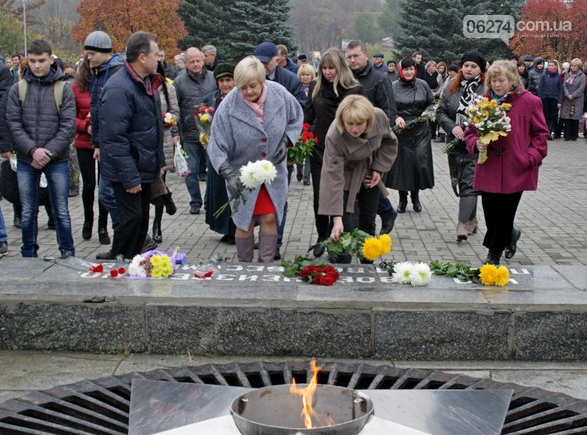 В Бахмуте отметили 73-ю годовщину Дня освобождения Украины от фашистских захватчиков, фото-5