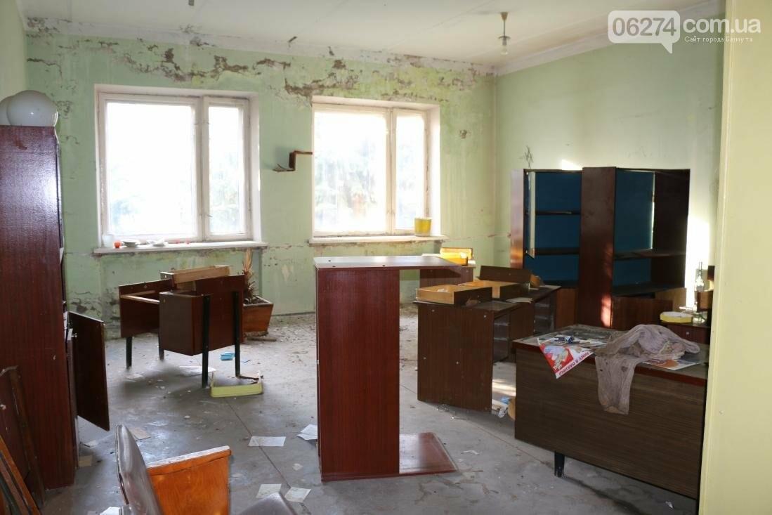 В Бахмуте разворовывают государственное имущество, фото-12