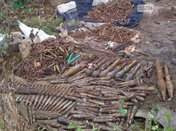 Возле Зайцево полицейские обнаружили схрон боеприпасов (ФОТО), фото-3