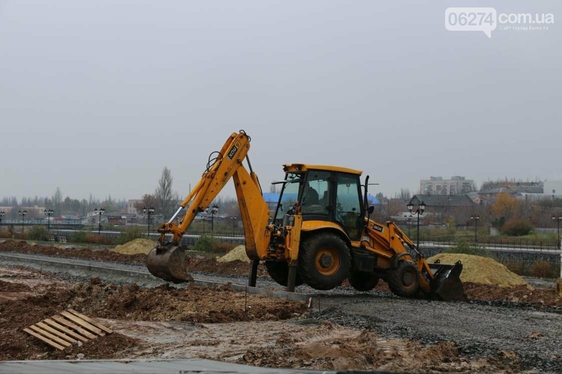 Реконструкция набережной в Бахмуте продолжается в любую погоду, фото-3