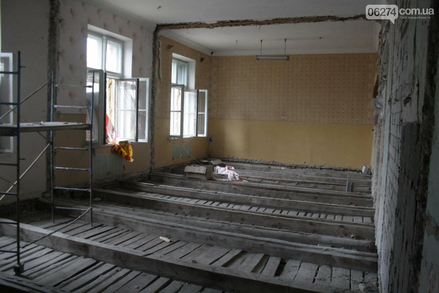 Городской голова Бахмута проинспектировал объекты реконструкции, фото-8