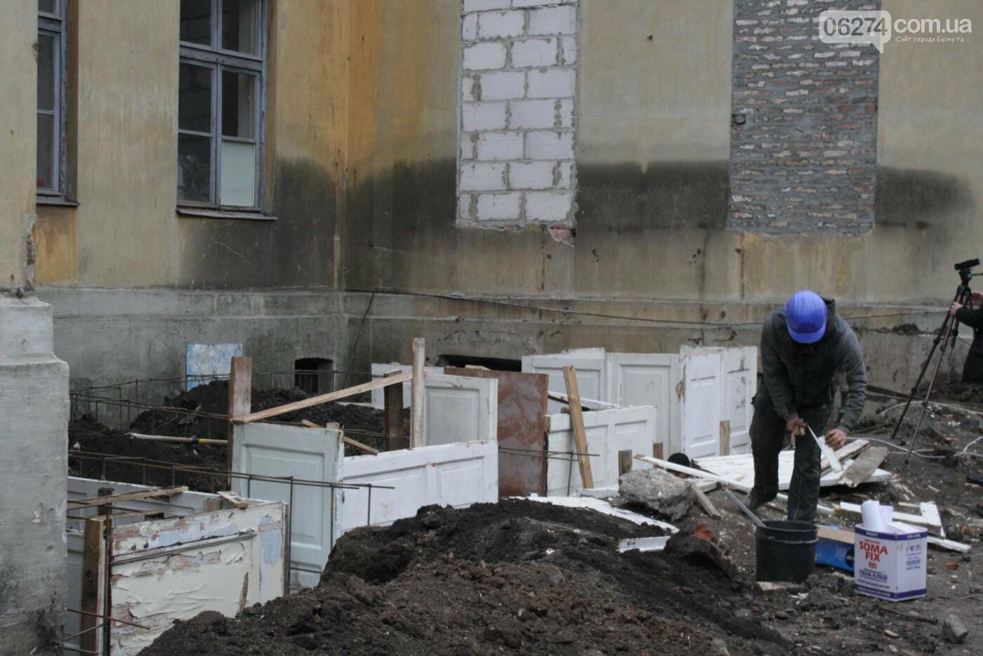 Городской голова Бахмута проинспектировал объекты реконструкции, фото-10