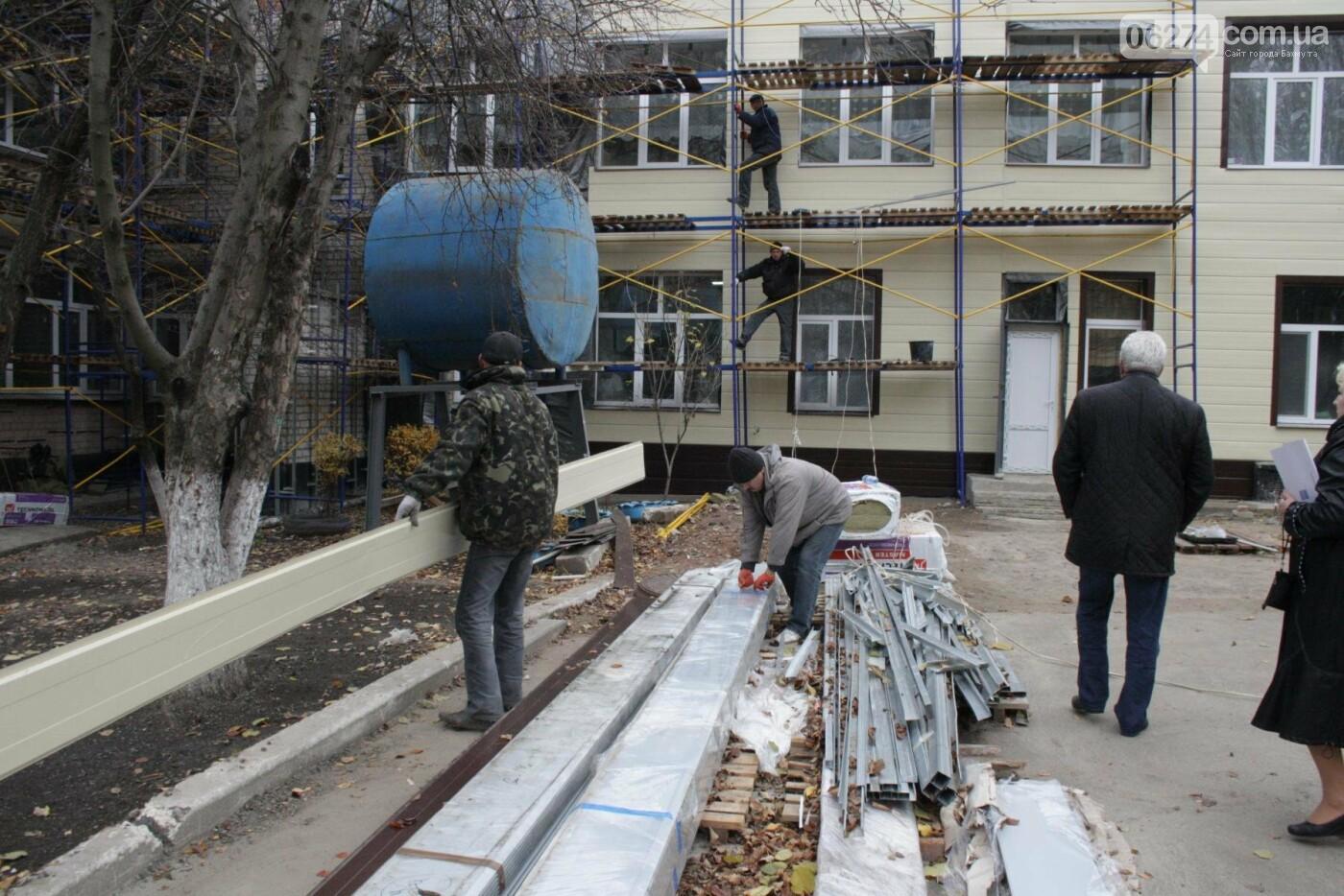 Городской голова Бахмута проинспектировал объекты реконструкции, фото-24