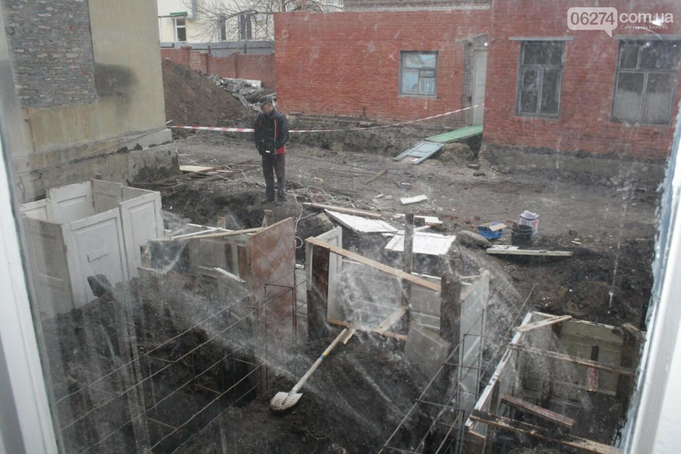 Городской голова Бахмута проинспектировал объекты реконструкции, фото-9