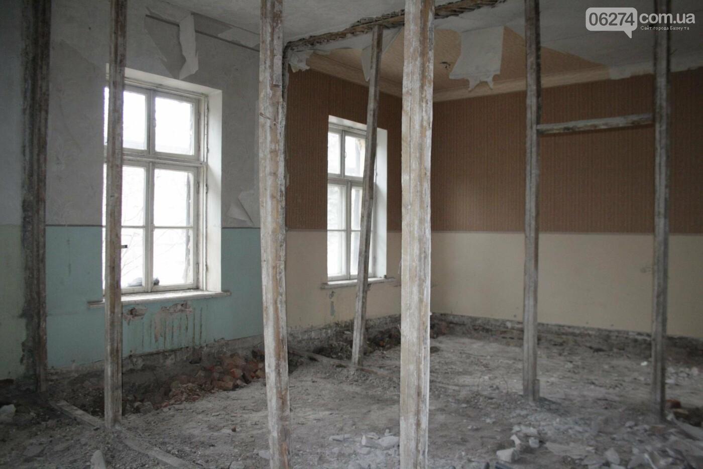 Городской голова Бахмута проинспектировал объекты реконструкции, фото-7
