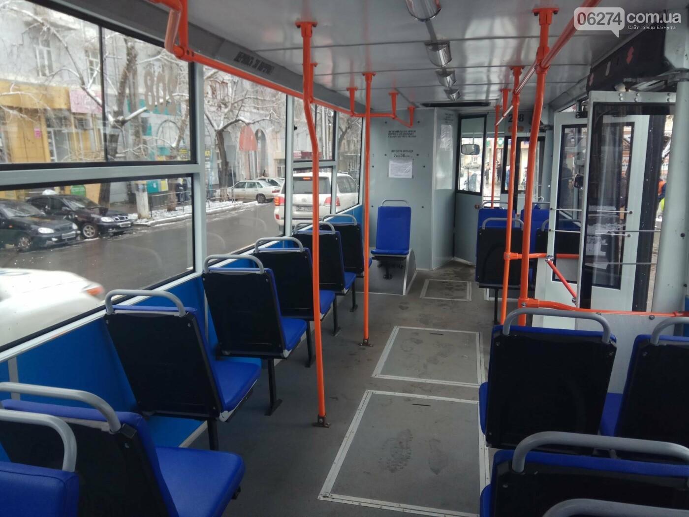 В Бахмуте презентовали капитально отремонтированный троллейбус (ФОТО), фото-4