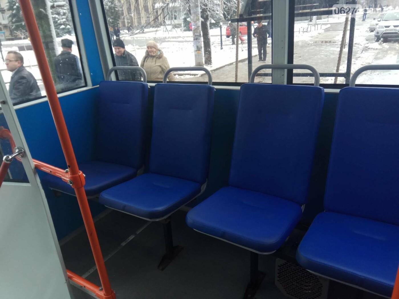 В Бахмуте презентовали капитально отремонтированный троллейбус (ФОТО), фото-2