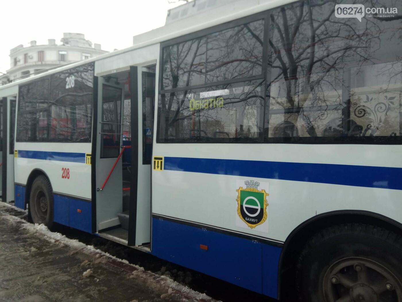 В Бахмуте презентовали капитально отремонтированный троллейбус (ФОТО), фото-3