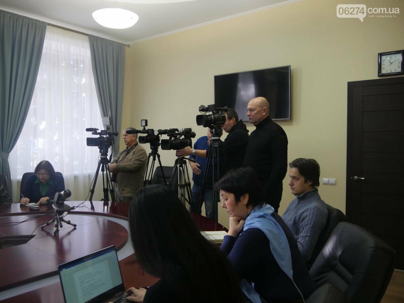 В Донецкой ОГА рассказали об осенней призывной кампании и строительстве Сечи в Бахмутском районе, фото-3