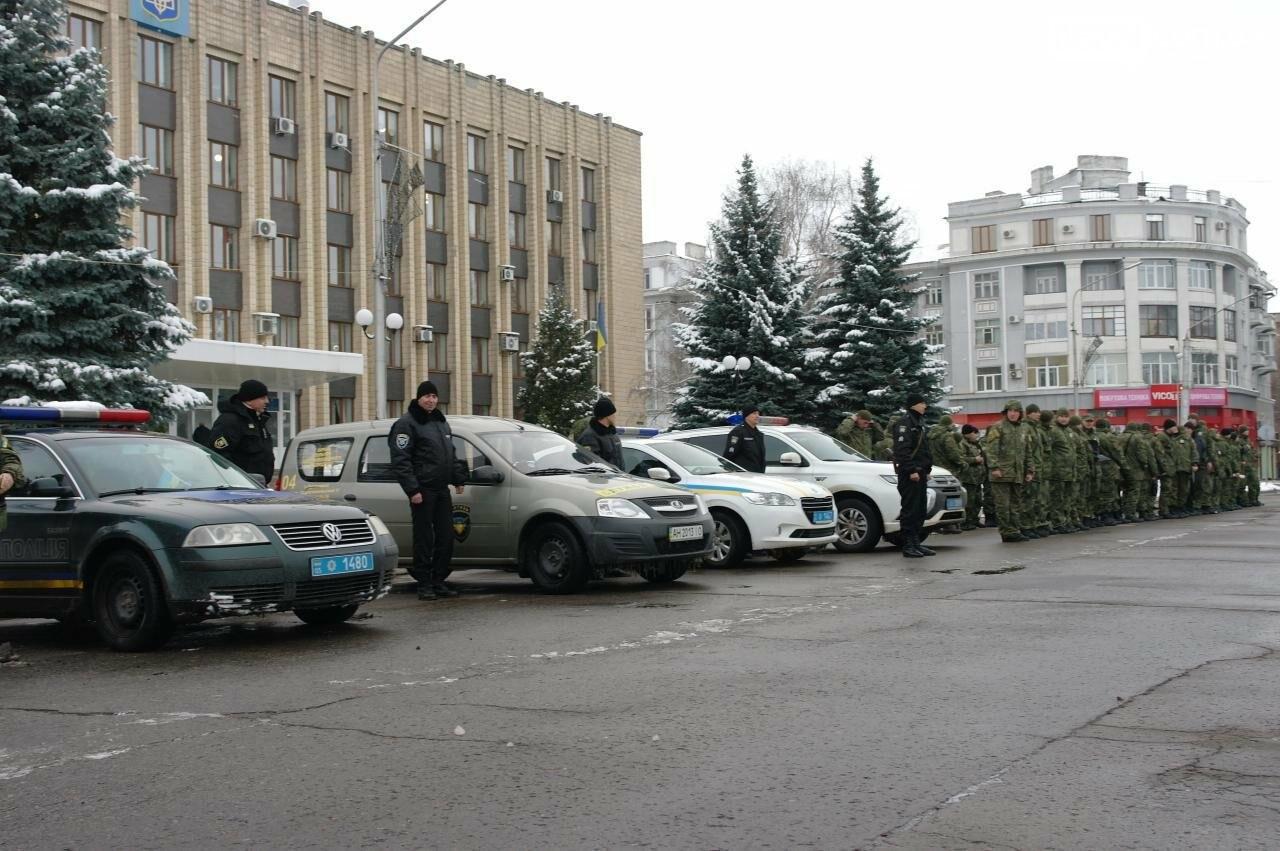 На выходных порядок горожан обеспечивала полиция совместно с общественниками, фото-1
